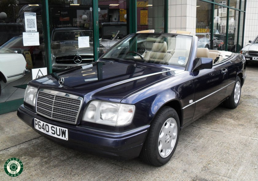 Photo 1997 Mercedes E220 Cabriolet For Sale