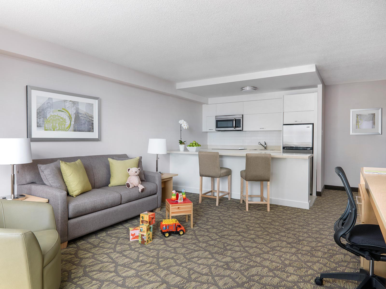 Two Bedroom Hotel Suite For Families Chelsea Hotel Toronto