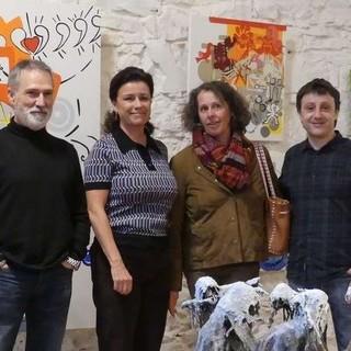 Les Quatre Artistes Au Milieu De Leurs Oeuvres