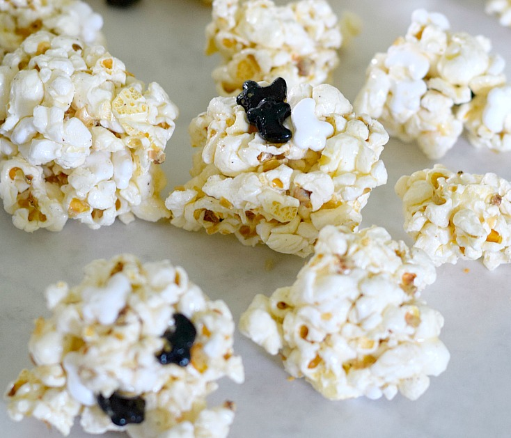 Pumpkin Spice Popcorn Balls. So easy and delicious! Plus a traditional popcorn ball recipe that is perfect! See this dairy-free popcorn ball recipe on chemistrycachet.com