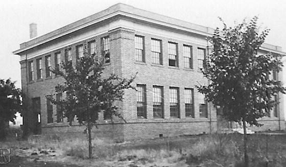 1915 Manual Arts Building