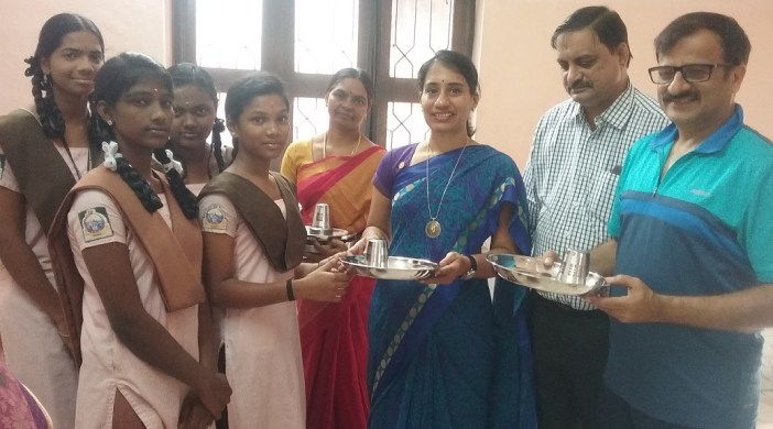 Aid given to RKM students by Rotary and Jaimaa Trust