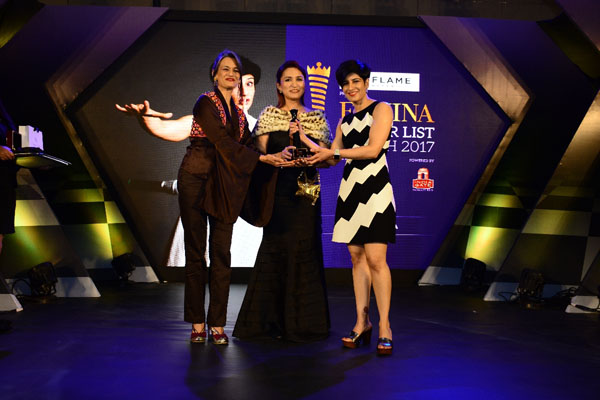 (From left) Beauty expert Ashmin Munjal, designer Anu PD presenting the award to stand-up comedienne Neeti Palta at Femina Power List North 2017