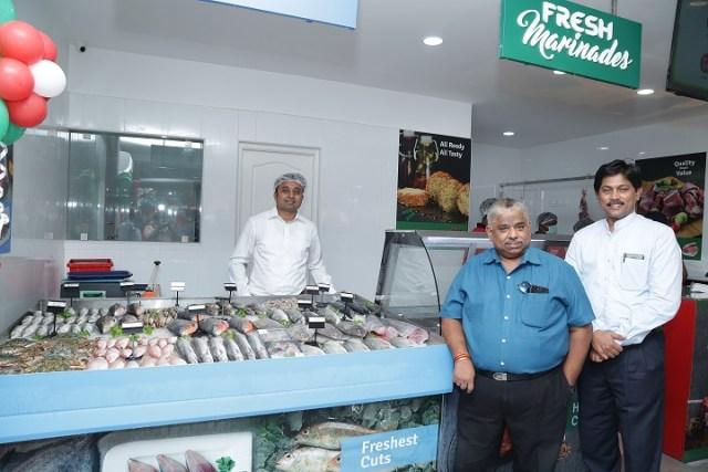 Mr. Nishanth Chandran, CEO, TenderCuts, Dr. Chef Dhamu (Centre) & Dr. V Pasupathy (R) at TenderCuts Valasaravakkam Store