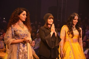 Neeta Lulla & Sania Nehwal grace the Ramp at Bangalore Times Fashion Week at JW Marriott on 08th Oct 2017_3