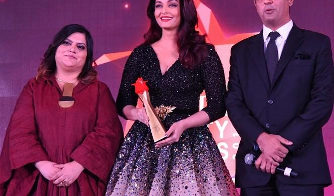 (L-R) Tanya Chaitanya, Editor, Femina, Aishwarya Rai Bachchan, Mr. Deepak Lamba, CEO, Worldwide Media