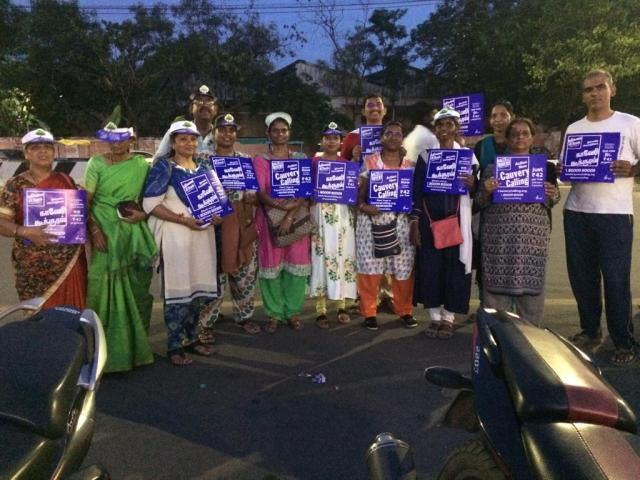 A mega standing event was organised by Isha volunteers on Sep 8th evening near Phoenix mall, Velacherry, to create awarenesses for Cauvery calling.