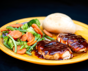 Sioux Falls restaurant has over 100 items, including prime rib, steaks, pastas, burgers, wings, fresh salads, and homemade soups and chili!