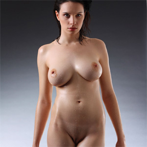 natural female body art