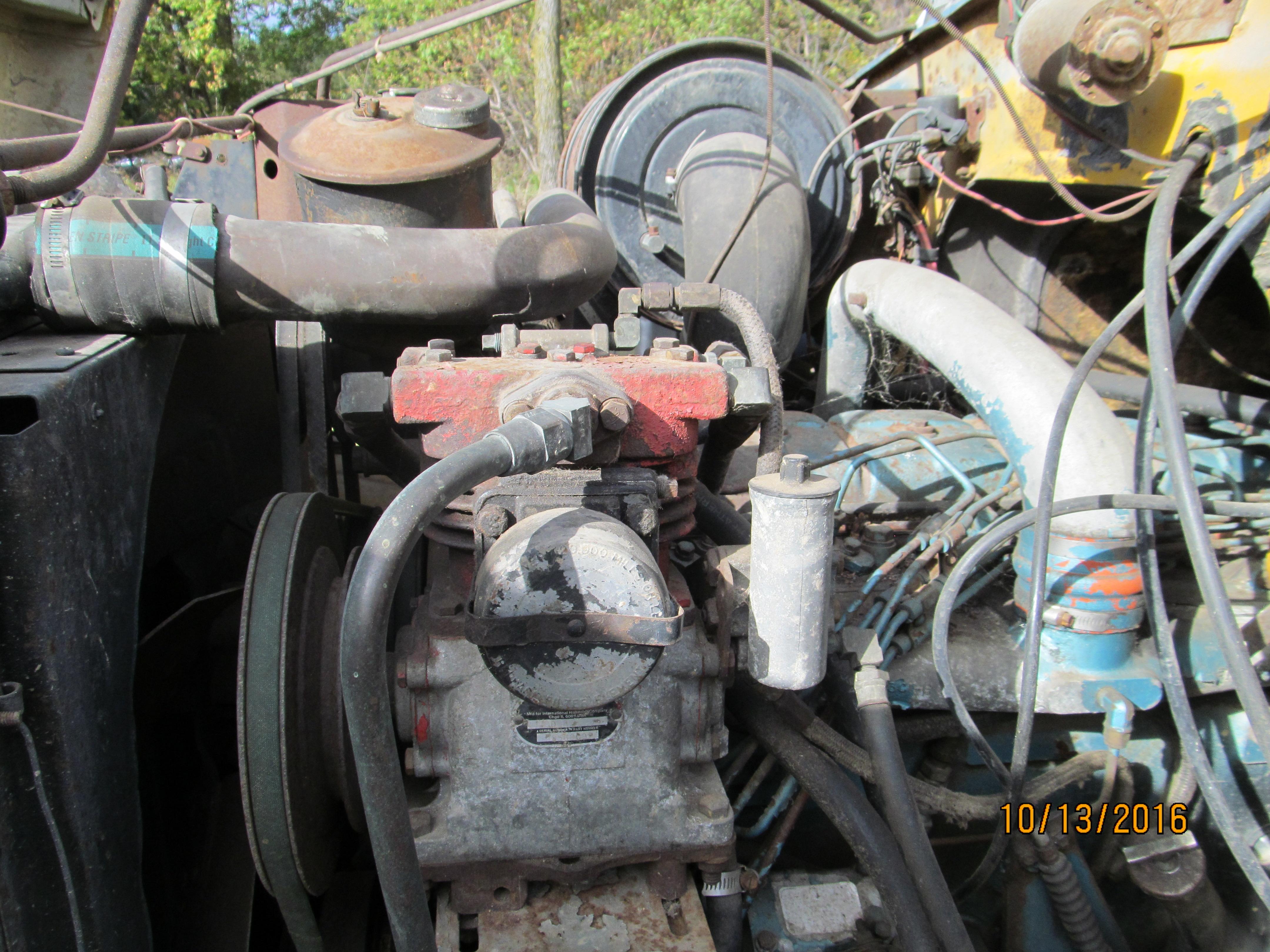 IH International 1750 loadstar dump truck for parts – Chesaning Auto