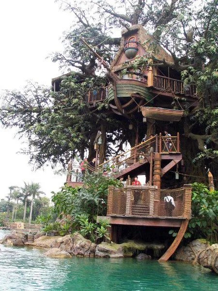 Over The Top Pirate Treehouse Backyard Idea