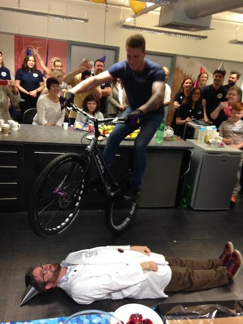 Guinness World Record Bike Hoppingjpg