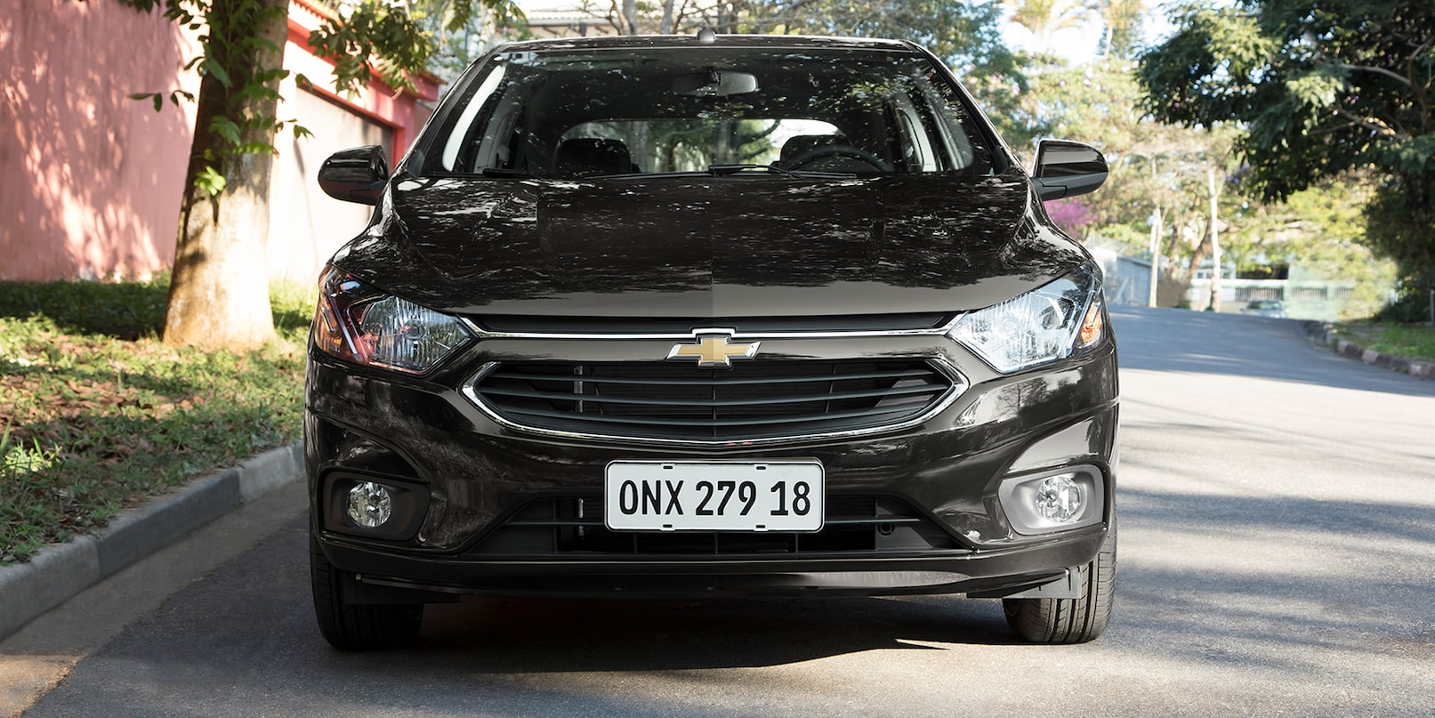 hight resolution of frente chevrolet onix preto ouro negro 2019