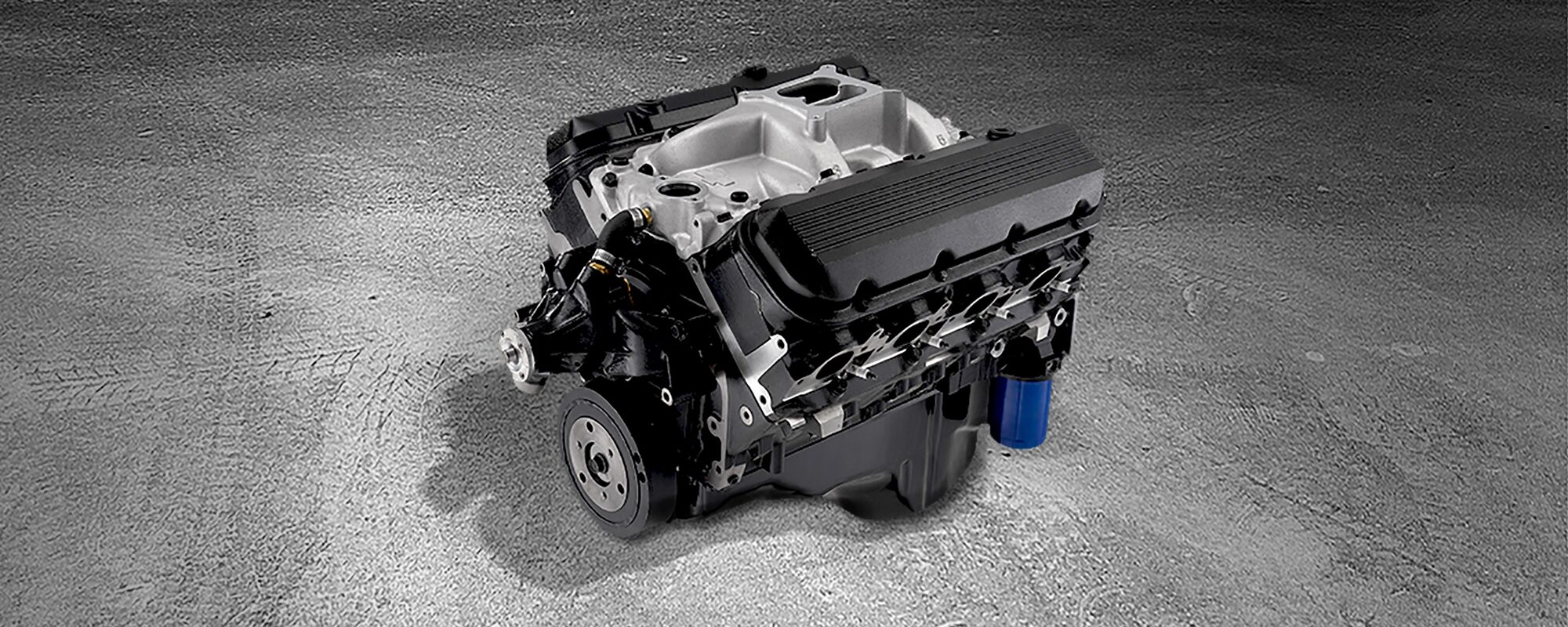 502 ho big block crate engine chevrolet performance 2 4 twin cam engine and trans bolts [ 2500 x 1000 Pixel ]