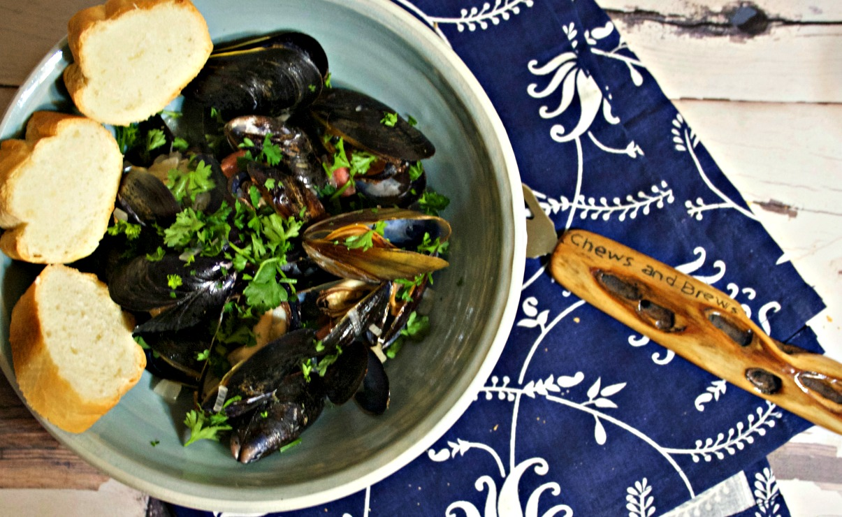 Gose Beer Steamed Mussels ~ Chews and Brews
