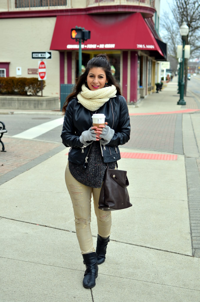 Spring look with oversized sweater