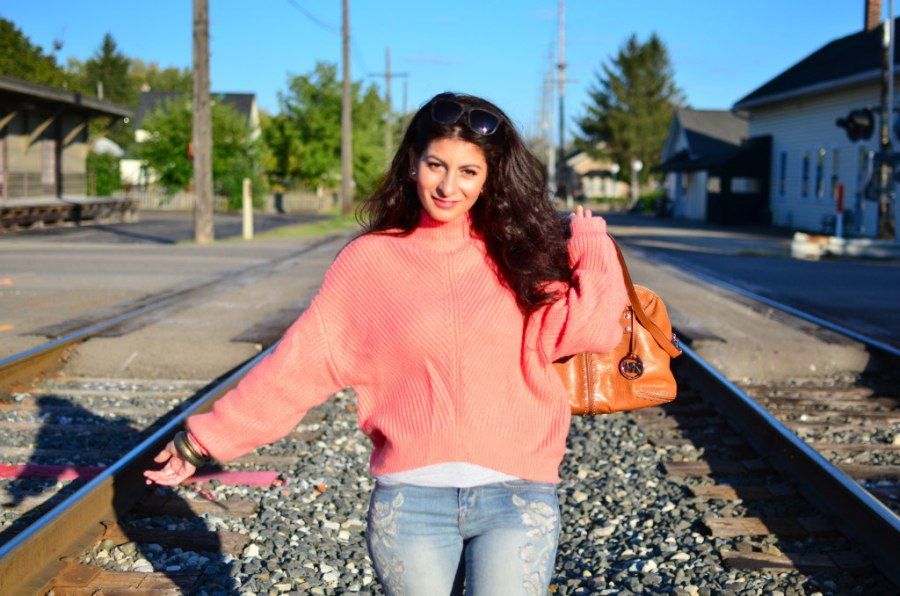 How to wear a coral pink sweater in fall/winter-Must have sweater+life story