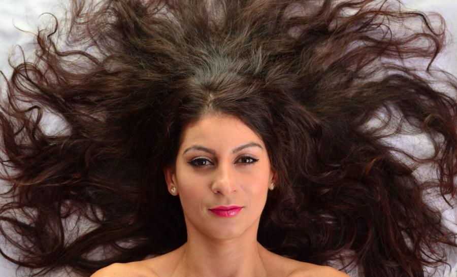 Natural glowy makeup + healthy hair