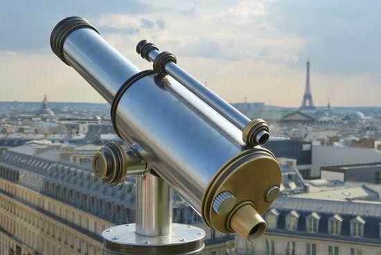 La Tour Eiffel au loin