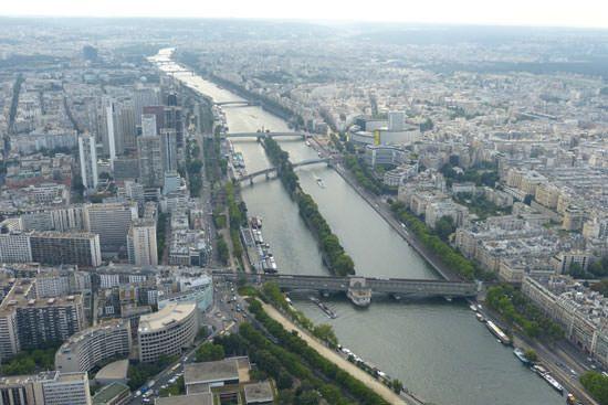 Tour Eiffel vue du 2e étage Seine