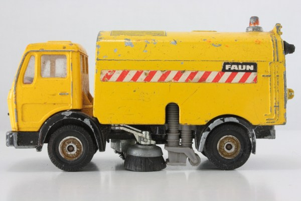 Street Sweeper Toy Truck