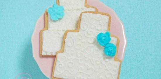 ウェディングケーキのアイシングクッキー