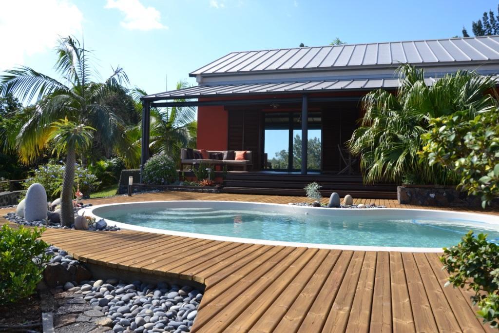 location de particuliers a particuliers studio meuble ile de la reunion avec piscine a balneo location