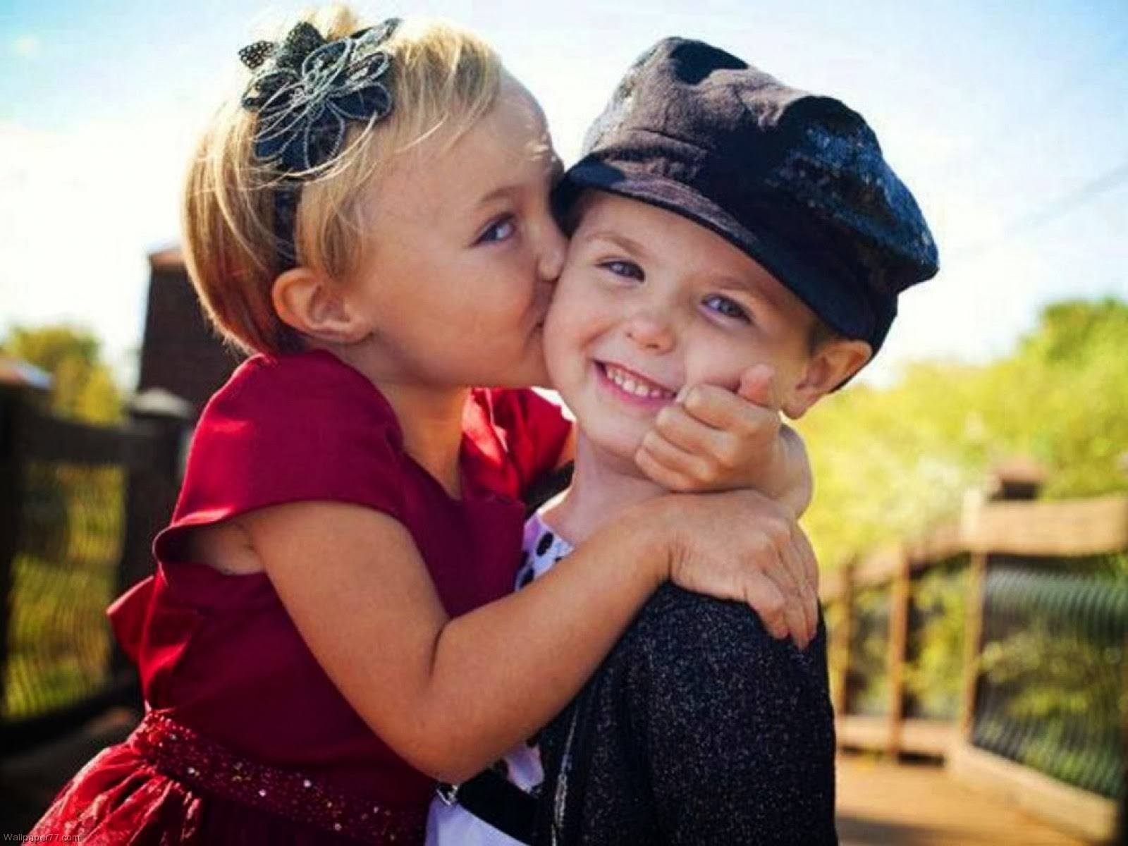 Babies-Kissing-Happy-Kiss-Day