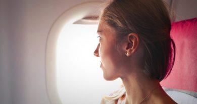 Viaggiare da soli, trucchi antistress per aereo