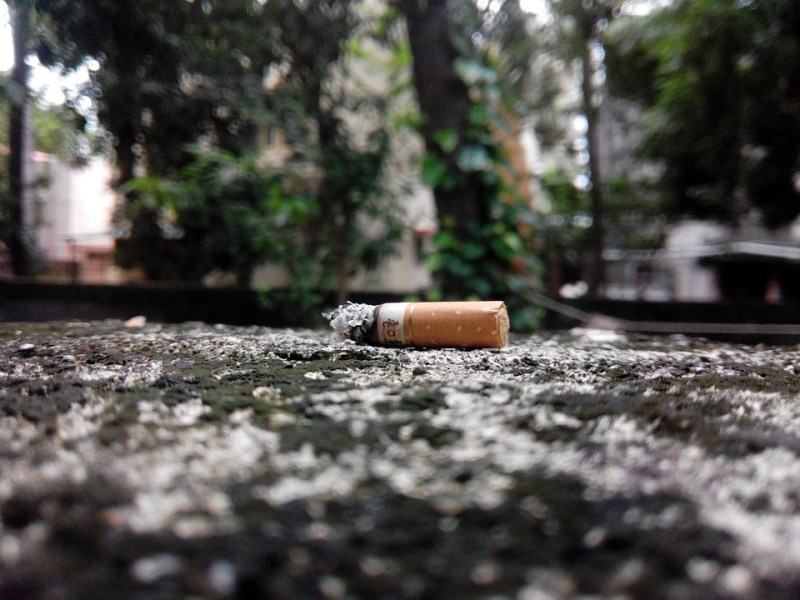 Cicche di sigarette dove buttarle? come smaltire i mozziconi di sigaretta
