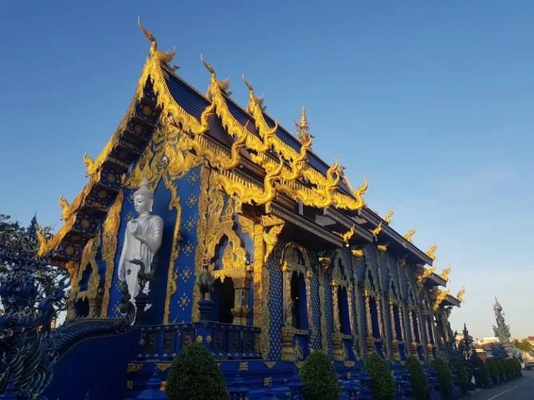 Buddhist temple Wat Rong Suea Ten