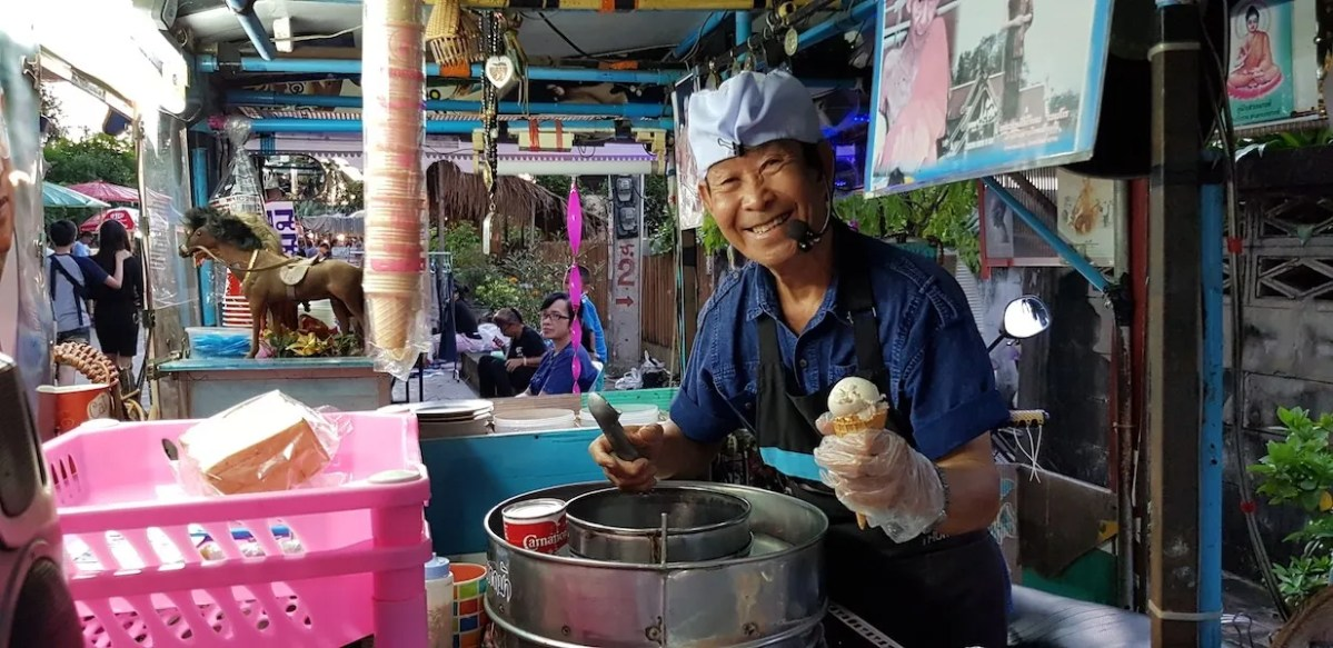 Man scooping ice cream Lampang things to do