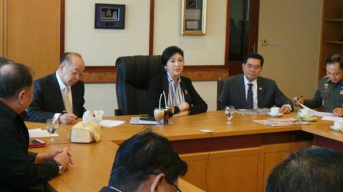 Prime Minister Yingluck Shinawatra held an urgent Cabinet meeting