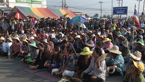 Farmers from five northern provinces will blockade the Asian Highway and heighten their protest to oust the caretaker government after the government failed to pay them as promised