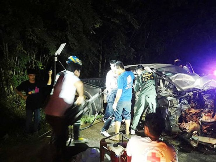 Thai Policeman Killed after Head-on Collision in Western Thailand