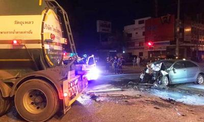 Pickup Crashes into Crane Truck Killing Six, Injuring 3 Others in Western Thailand