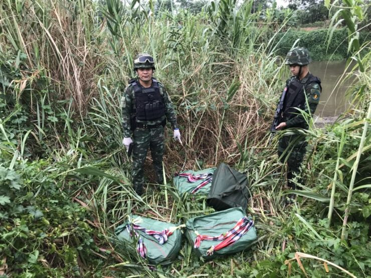 Soldiers From Chiang Rai's Pha Muang Task Force Shoot and Kill Four Drug Runners in Mae Sai District