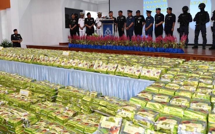 Highway Police Seize 320Kg of Crystal Meth in Northeastern Thailand
