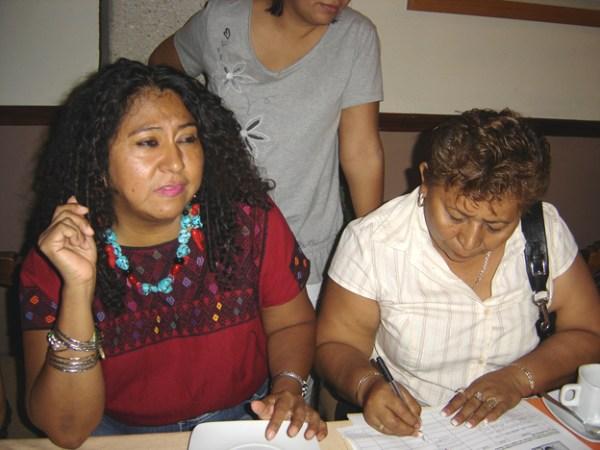 Adela Gómez fue reconocida entre las 10 mujeres líderes de Chiapas, porel Centro de Iniciativas de Cooperación al Desarrollo de la Universidad de Granada, España. Foto: Archivo de la familia Gómez