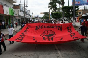 En el contigente marcharon estudiantes de unas cinco normales de Tuxtla.