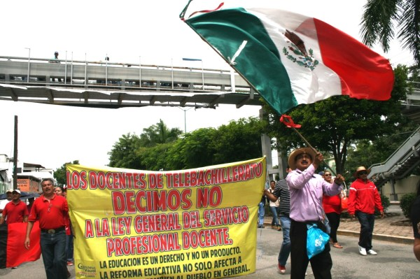 Los maestros y su Grito de Independencia hoy domingo 15 de septiembre. Foto: Isaín Mandujano/Chiapas PARALELO