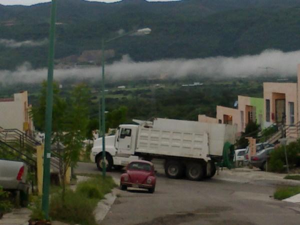En el Fraccionamiento Real del Bosque se abastecen de agua por medio de pipas. Foto: Cortesía/ Chiapas PARALELO.