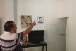 Casas como estas de don Darinel Hernández Nazar, lucen  con cuarteaduras en toda la colonia. Foto: Chiapas PARALELO