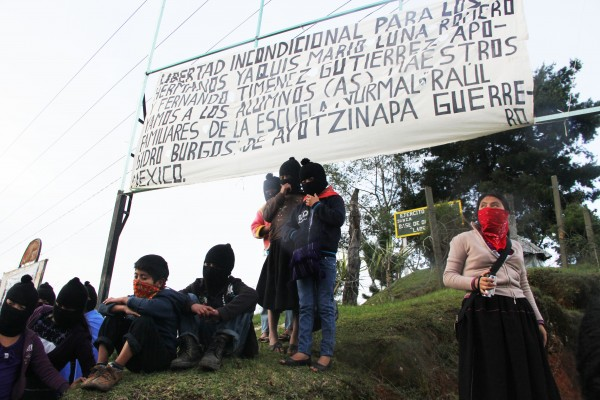 EZLN announces its support Ayotzinapa posters and Yaqui tribe.  Photo: Elizabeth Ruiz