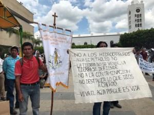<a class=&quot;amazingslider-posttitle-link&quot; href=&quot;https://www.chiapasparalelo.com/noticias/2017/06/indigenas-zoques-ponen-en-jaque-a-la-industria-extractiva-en-chiapas-ganan-batalla-a-la-sener/&quot;>Indígenas zoques ponen en jaque a la industria extractiva en Chiapas, ganan batalla a la SENER</a>