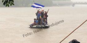 Entran los primeros migrantes de México. Foto: Isaín Mandujano