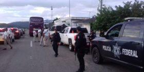Cientos de policías y personal del INM vigilan las carreteras de la frontera, para detener a migrantes que entren de manera irregular al pais. Foto: Cortesía