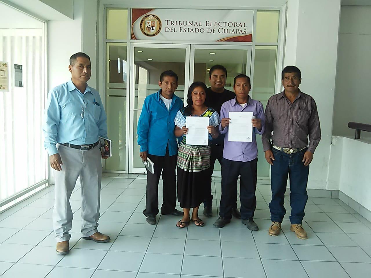 Gobierno Comunitario de Chilón y Sitala llegan al TEECH para exigir pronta respuesta