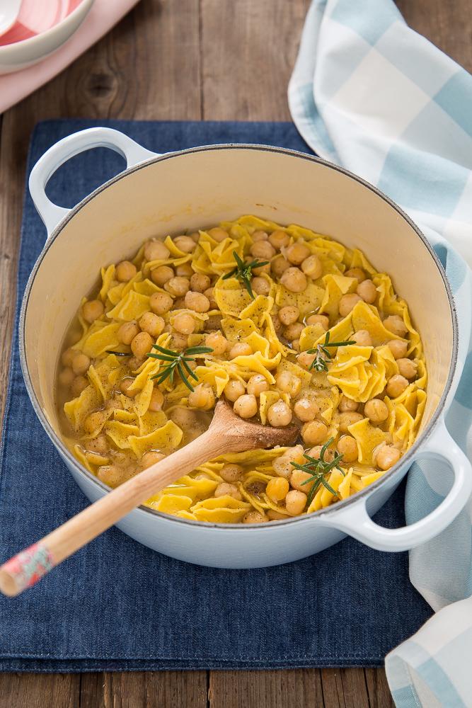 Ricetta pasta a ceci  Ricette popolari sito culinario