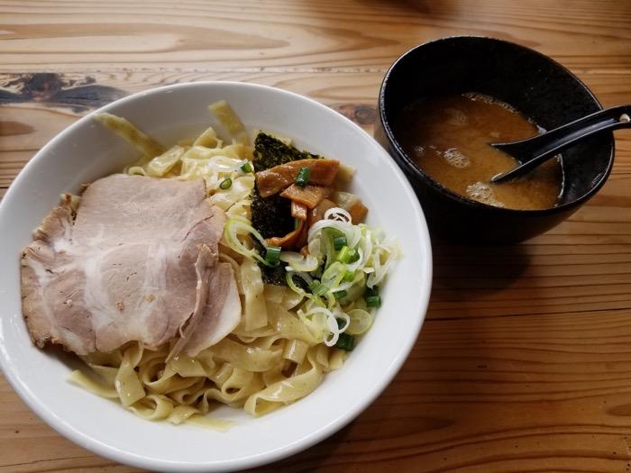 ヨシベー八千代店のお魚つけ麺